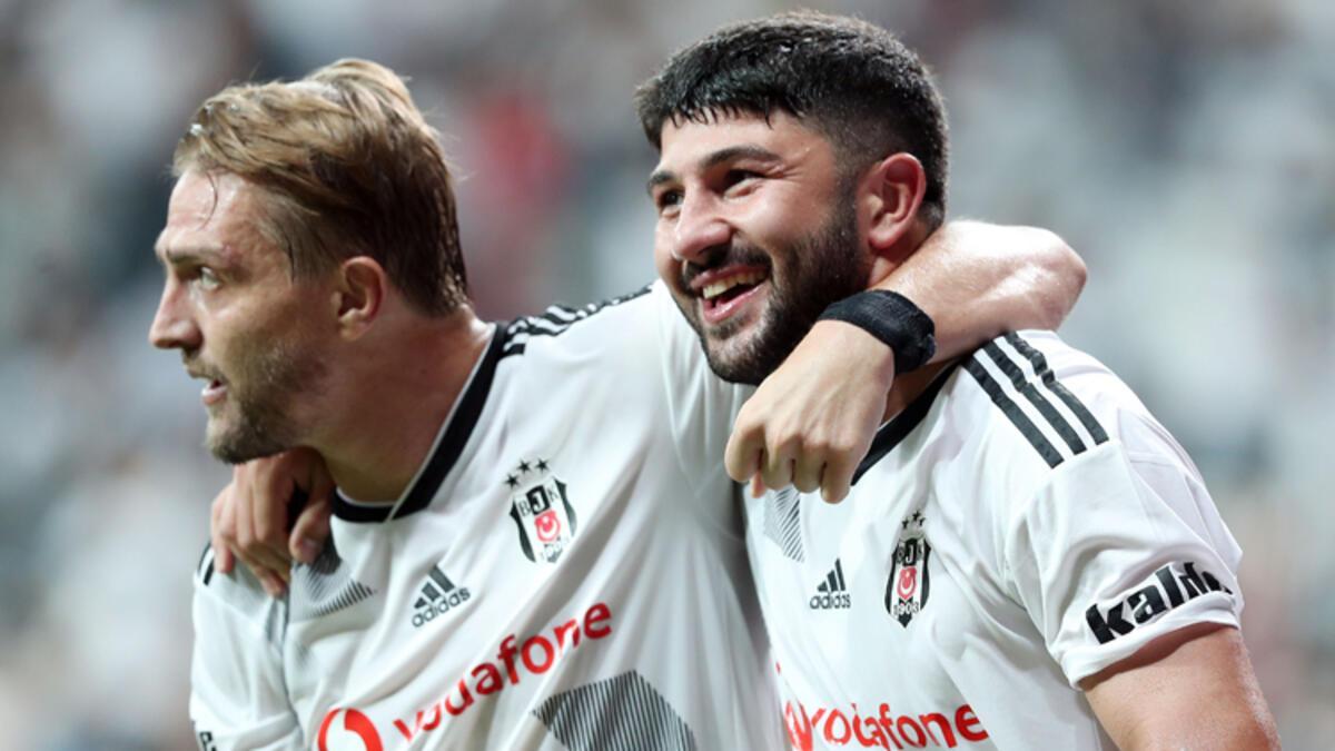 Caner Erkin, Beşiktaş'ı sırtladı