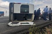 Şiddetli rüzgar, diyaliz hastalarının minibüsünü devirdi