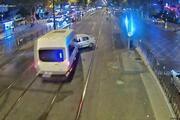 Fatihte tramvay yolundaki feci kaza