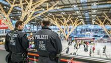 Almanya'da havaalanında bin 568 silah yakalandı