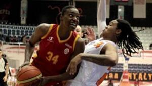 Galatasaray Adana'da fark attı