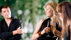 Sigarayı bırakmaya çalışan erkekler güzel kadınlardan uzak dursun