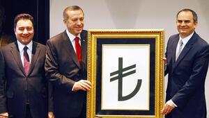 Başbakan Erdoğan sorun faiz, uzmanlar sorun kur diyor