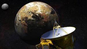 New Horizons Uydusunun Plütona uçuşu