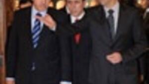 Turkish PM meets Syrias Assad, calls immediate end to Gaza violence