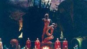 Mozartın Idomeneo Operası sahnelendi