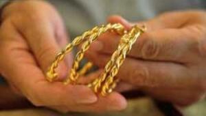 Altın düşüyor kuyumcu seviniyor