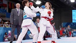 Baküde karateden 4 yarı final geldi