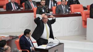 CHPnin önergesini AK Parti grubu yanlışlıkla kabul edince tartışma çıktı