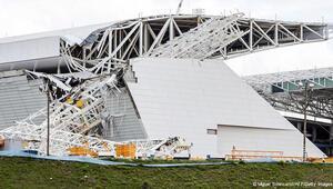 Dünya Kupası stadında kaza