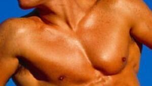 Erkekler artık göğüs küçülttürüyor