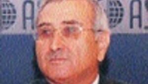 Central Bank cuts key rate, urges discipline