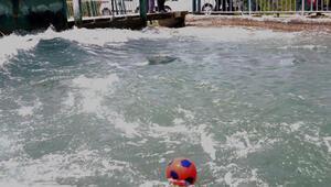 Topunu almak isterken kanala düşen küçük Enes boğuldu