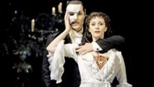 Operadaki Hayalet gerçek oldu