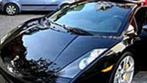Roberto Carlos önce arabasını gönderdi