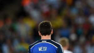 Dünya basını Messinin ödül almasına skandal dedi