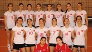 Yıldız Kız Voleybol Milli takımı, özel turnuvada