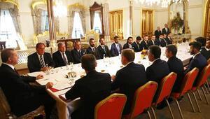 Cumhurbaşkanı Erdoğan Süper Lig takımlarının kaptanlarıyla bir araya geldi