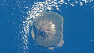 Dünyanın en ıssız adası öğretmen arıyor