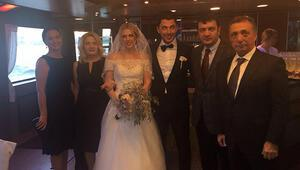 Beşiktaşlı Tolgay Arslan, evlendi