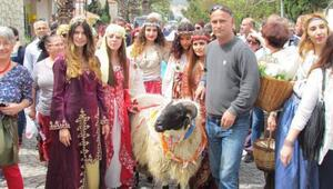 Alaçatı'da Ot Festivali izdihamı