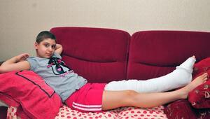 Hamiyet, havuzda dizini çarpınca erken teşhis edilen kanserden kurtuldu
