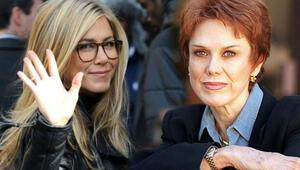 Jennifer Anistonın annesi öldü