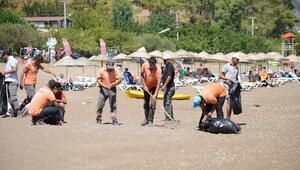 Adrasan Sahilinde Temizlik Çalışması