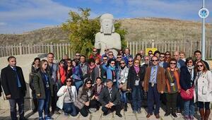 Turist Rehberleri, Battalgazi İlçesinin Tarihi Mekanlarını Gezdi