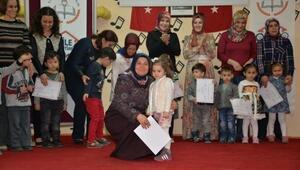 Çocuklardan Annelerine Eğitim Sertifikası