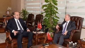 Başbakan Yardımcısı Akdoğan'dan Vali Çakacak'a Ziyaret