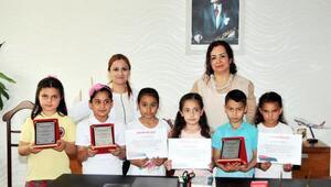 Resim yarışmasında kız öğrencilerin başarısı