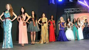 Miss 7 Continentste kraliçesi Güney Afrikalı Abrahams oldu