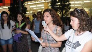 Eskişehirde kadınlar Çilem Doğanın serbest bırakılmasını kutladı
