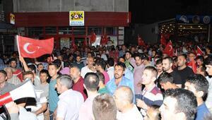 Nevşehir'de darbe girişimine karşı halk sokağa döküldü