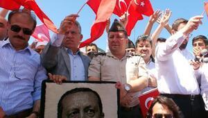 Albay Yıldırım korsan bildiriyi tanımadı, halkla sokaklara çıktı