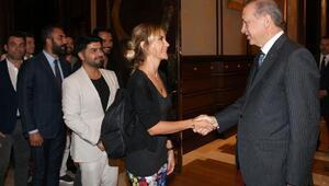Cumhurbaşkanı Erdoğan, sanatçı, oyuncu, radyocu ve sporcuları Cumhurbaşkanlığı Sarayında kabul etti