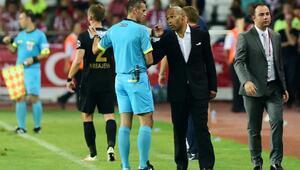 Antalyaspor teknik direktörü Moraise 1 maç ceza
