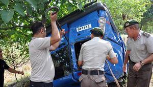 Jandarma aracı takla attı, Takip için seferber oldular