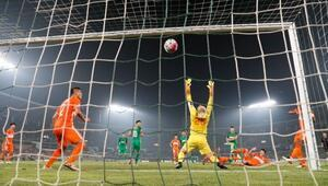Burak Yılmaz penaltı kaçırdı, Beijing kaybetti