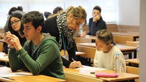 Uzmanların TEOG'da birinci gün yorumları: Çalışanın yapabileceği bir sınavdı