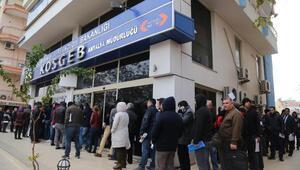 KOSGEBde kredi sırası binayı sardı