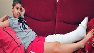 Hamiyet, havuza dizini çarpınca kanserden kurtuldu