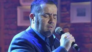 Ata Demirer İtalyanca operadan girdi, Türkçe şarkı ile çıktı