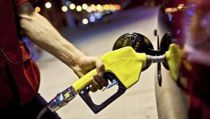Benzin 15 kuruş, motorin 13 kuruş zamlandı
