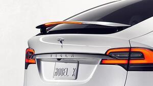 Tesla Motors isim değişikliğinde bulundu