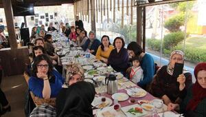 CHPli kadınlardan Hayır kahvaltısı