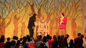 Bosch Çevre Çocuk Tiyatrosu Burdurlu çocuklarla buluştu