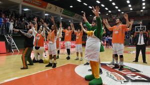 Banvit: 70 - EWE Baskets: 61