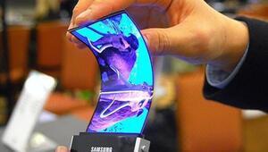 Samsungtan bükülebilir telefon bekleyenlere kötü haber